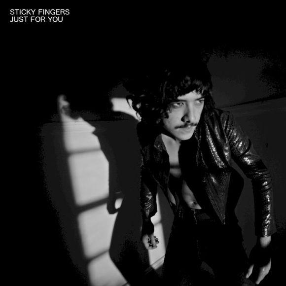 sticky-fingers-short